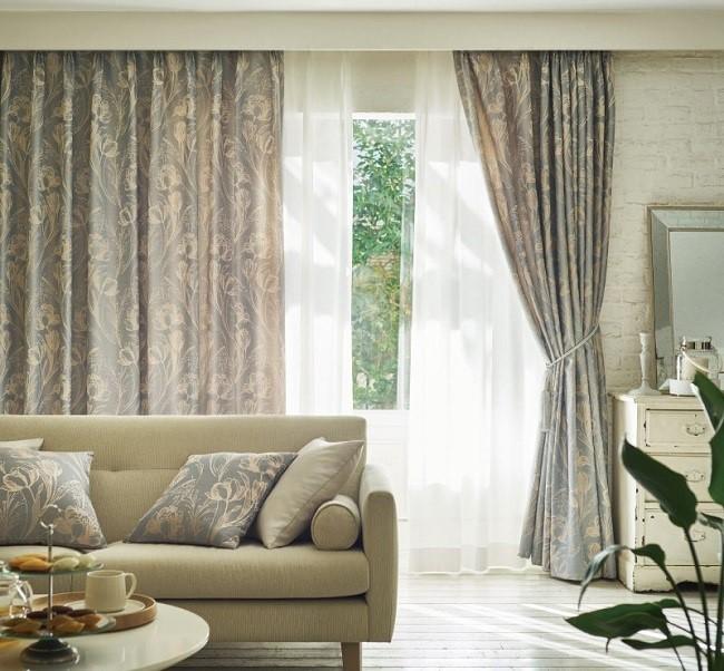Rèm vải Nhật cao cấp được nhiều khách hàng sử dụng cho những khung cửa lớn, khiến không gian sống đẳng cấp hơn